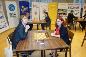 Jacek Tomczak – nieoficjalny mistrz Polski w szachach superbłyskawicznych w partii z Klaudią Kulon