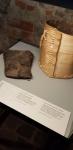 62.Bastion drewniane wiaderko z 4-5 w. ne i jego rekonstrukcja.jpg